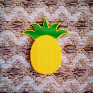 Pineapple Silicone Make-Up Brush Cleaner  >>